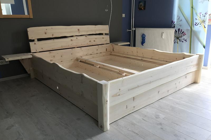 """Zirbenholzbett Modell """"Mondsee mit Bettschüben"""""""